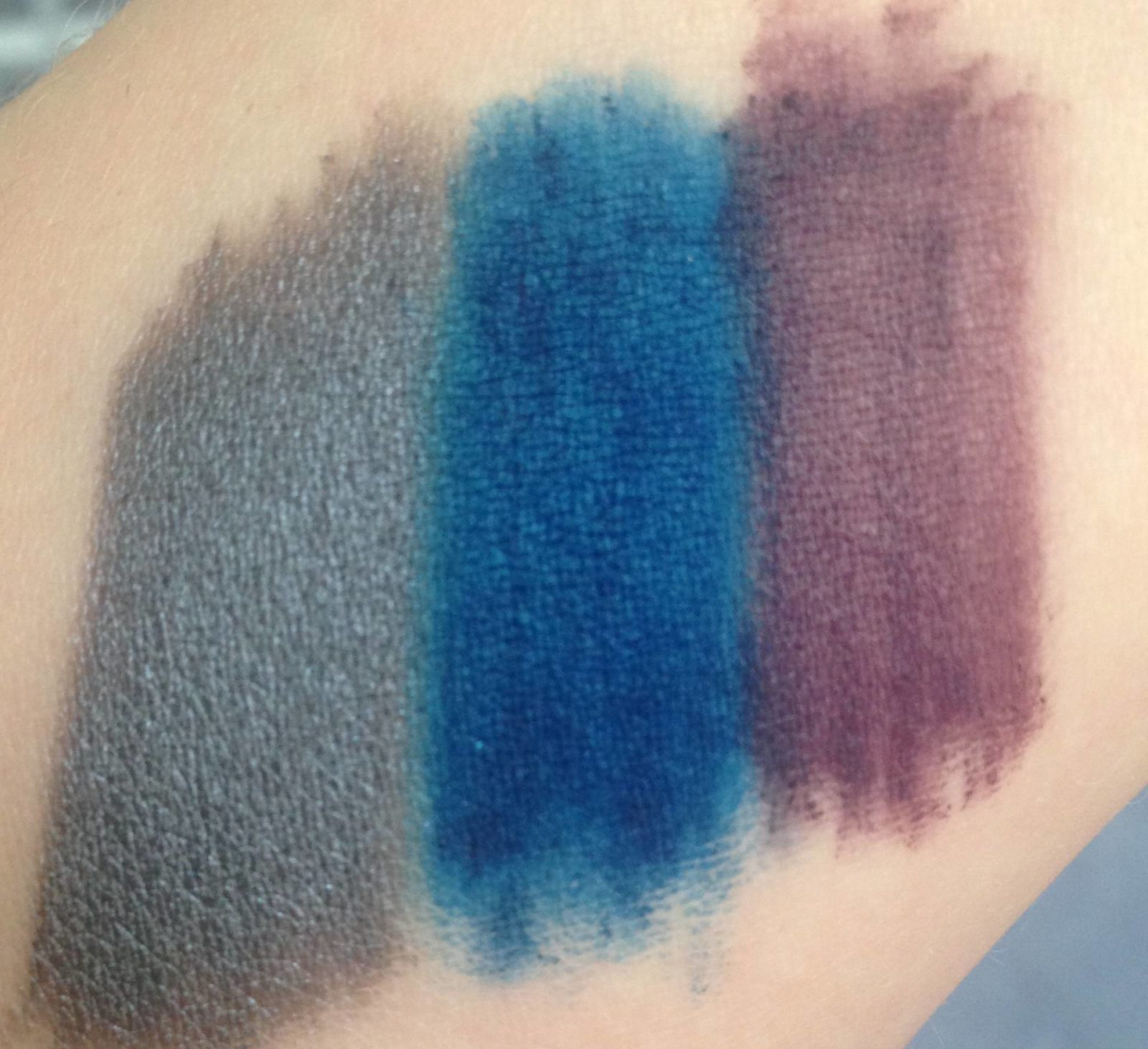 inika pencil swatch