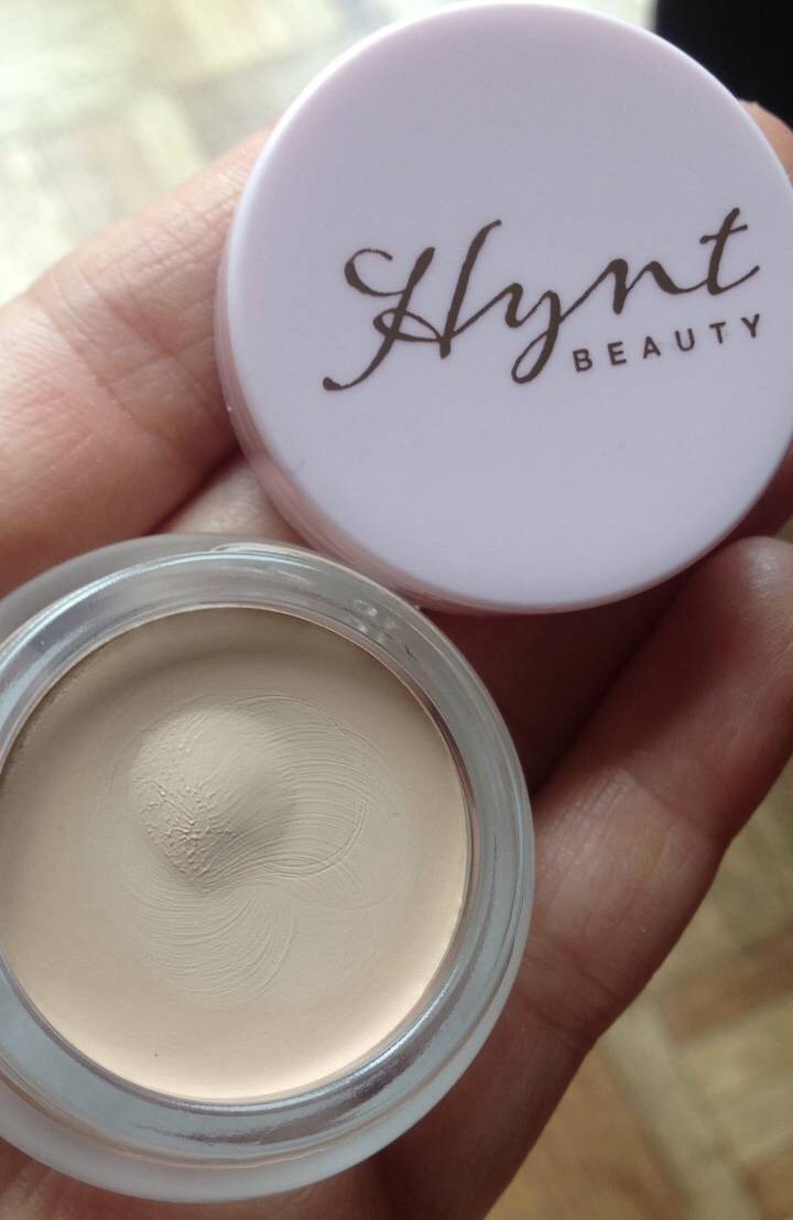 Green Concealer 101 – Hynt Beauty DUET Perfecting Concealer..